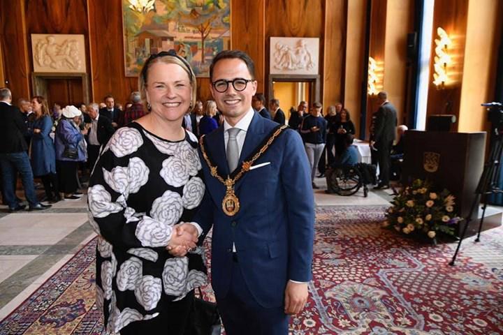 Igår bød hele byen vores nye Borgmester Simon Aggesen v...